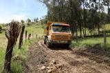 Maquinaria de la Prefectura atiende emergencia vial y habilita tránsito vehicular en Nudpud